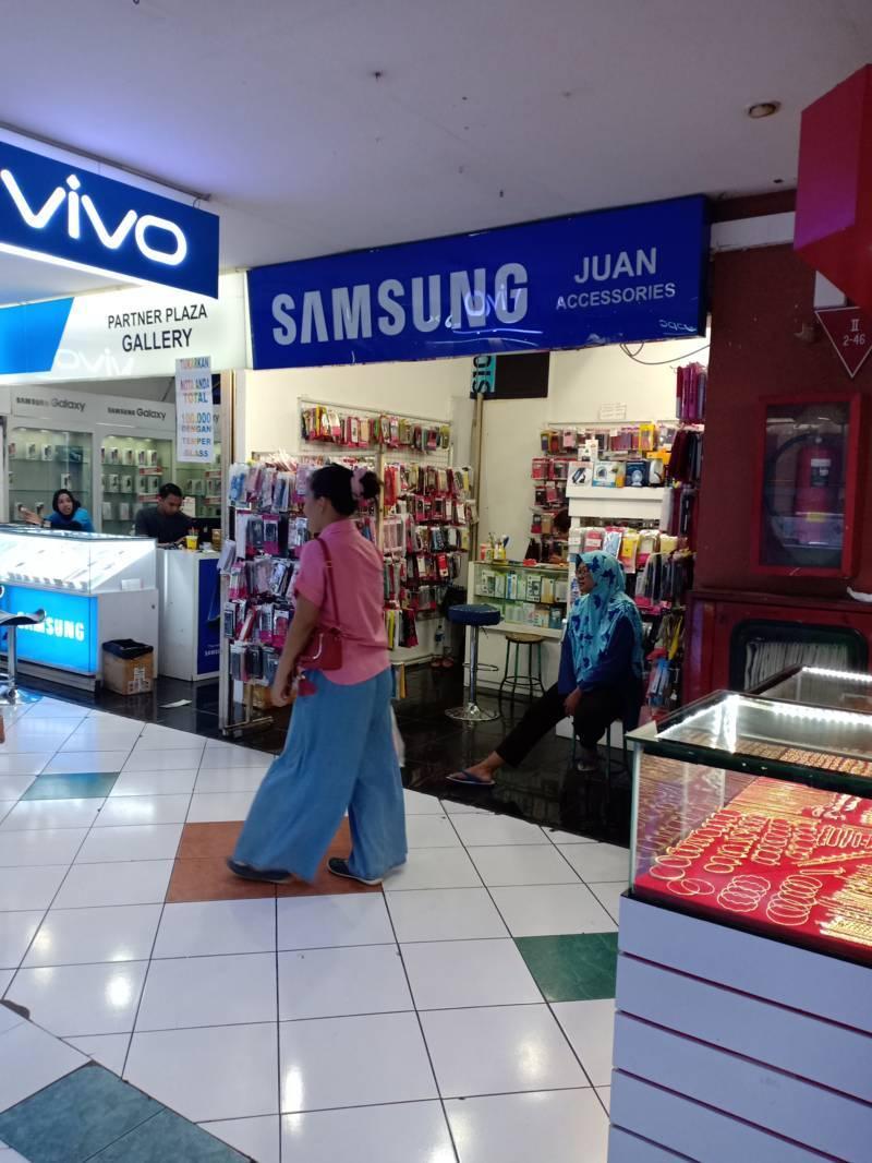 Juan Accessories Plasa Simpanglima Semarang