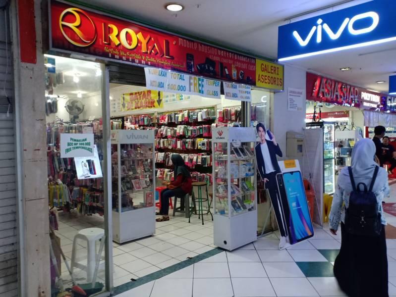 Royal Aksesoris Plasa Simpanglima Semarang